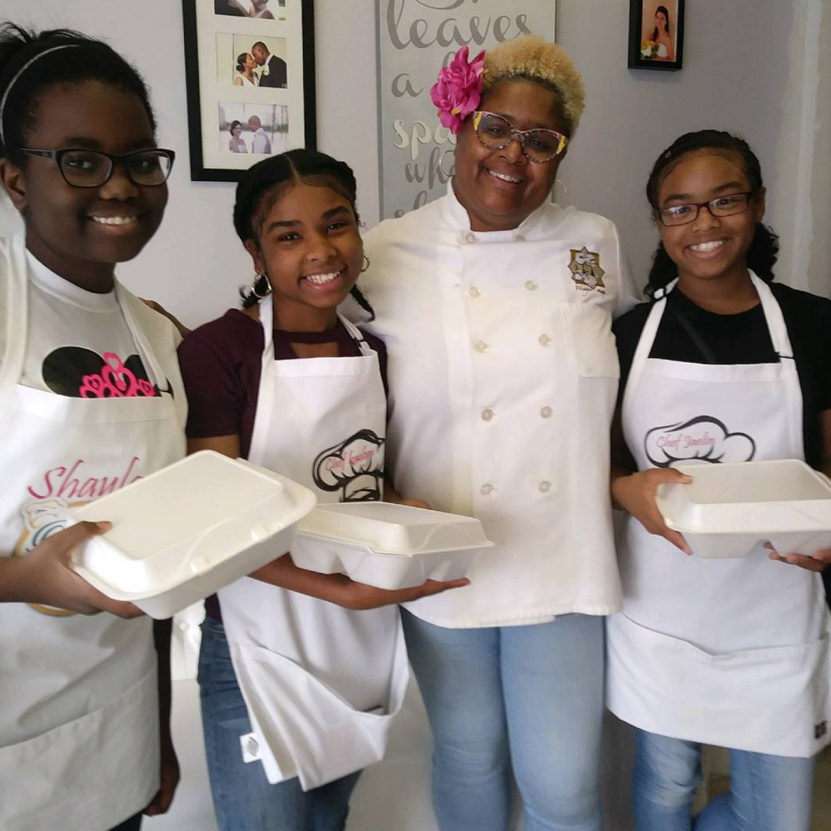 Chef Samone Hosts Cooking Class With Girls